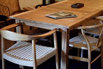 שולחן אבירים - עץ אלון מלא
